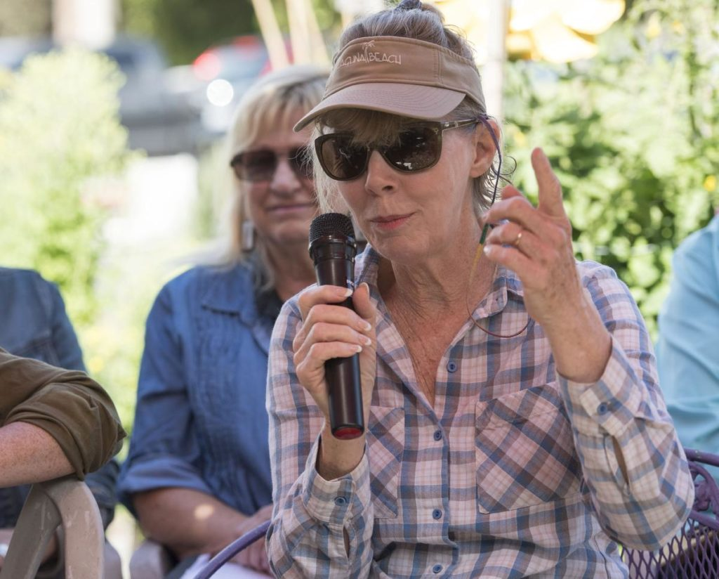Gale Joliet, of Laguna Beach, introduces herself on Saturday before talking about what pests and bugs she has invading her garden. ////PHOTO BY DAVID BRO, CONTRIBUTING PHOTOGRAPHER.